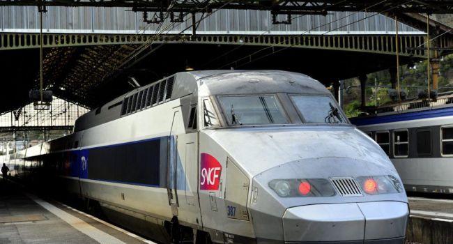 La SNCF impose-t-elle aux femmes de porter une jupe — Sexisme